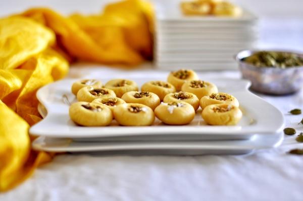 Peda, Milk Fudge, Instant Peda, Doodh Peda, Malai Peda, Saffron Peda, Cardamom Peda, Microwave, Indian Dessert, Indian Sweets, Indian Diwali Sweets