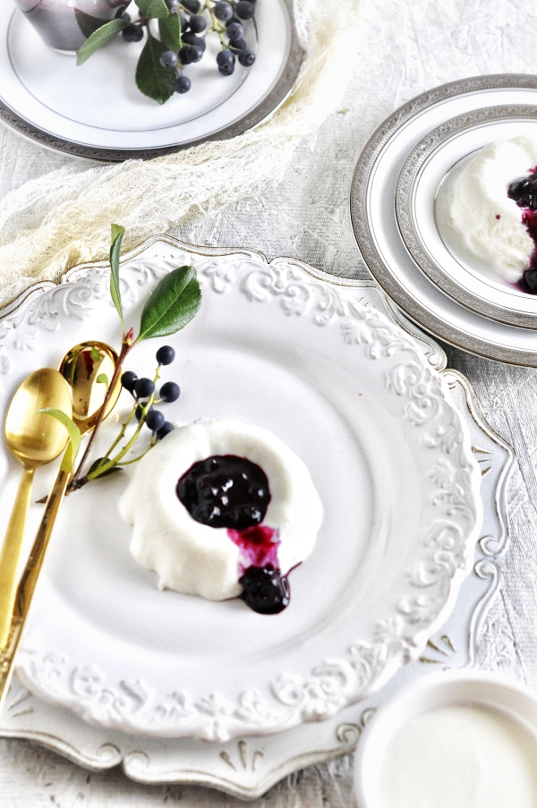 Greek_Yogurt_Panna_cotta_with_Bluberry_Coulis1