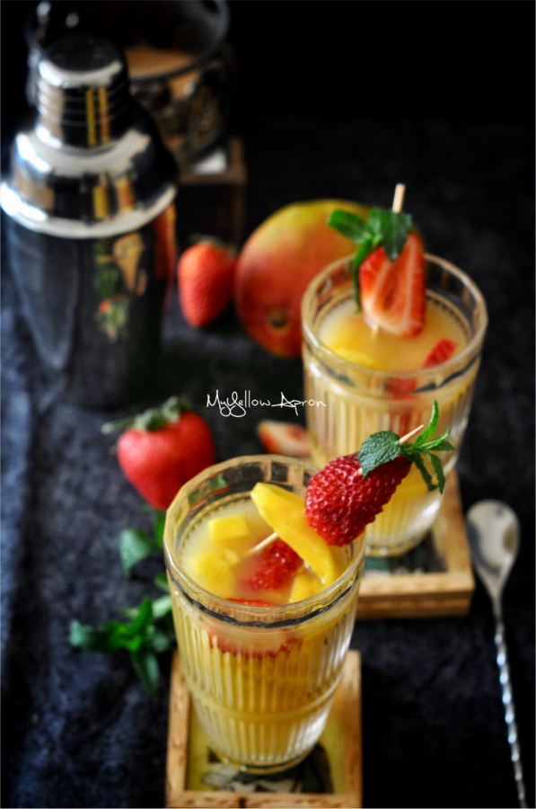 Strawberrycooler, mangocooler, stawberrymangocooler, summer, drinks, bevrages, nonalcohocdrinks,noalcoholbevrage, mocktail, fruitdrinks,freshberriesdrinks, muddleddrinks