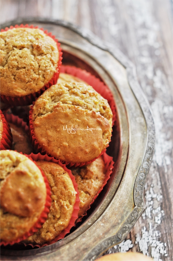 wholewheatmuffins, muffins, apple muffins, healthy muffins, apple cupcakes, wholesome, fall baking, kidsfriendlybaking