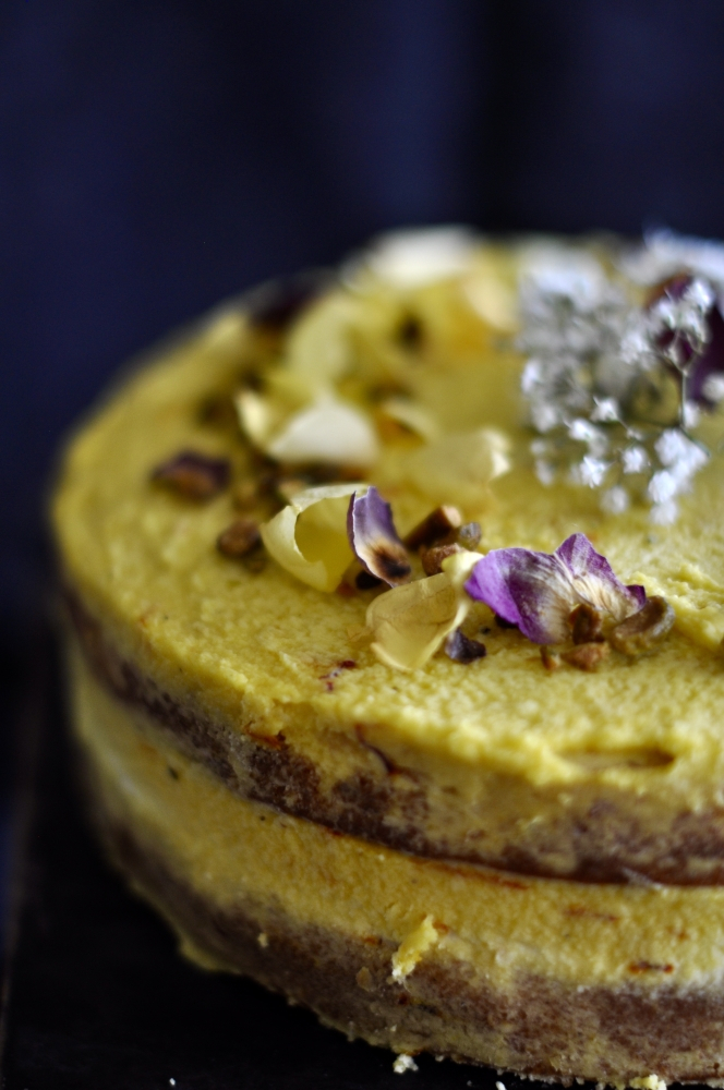 sandesh-cake_with_saffron_&_rosewater2