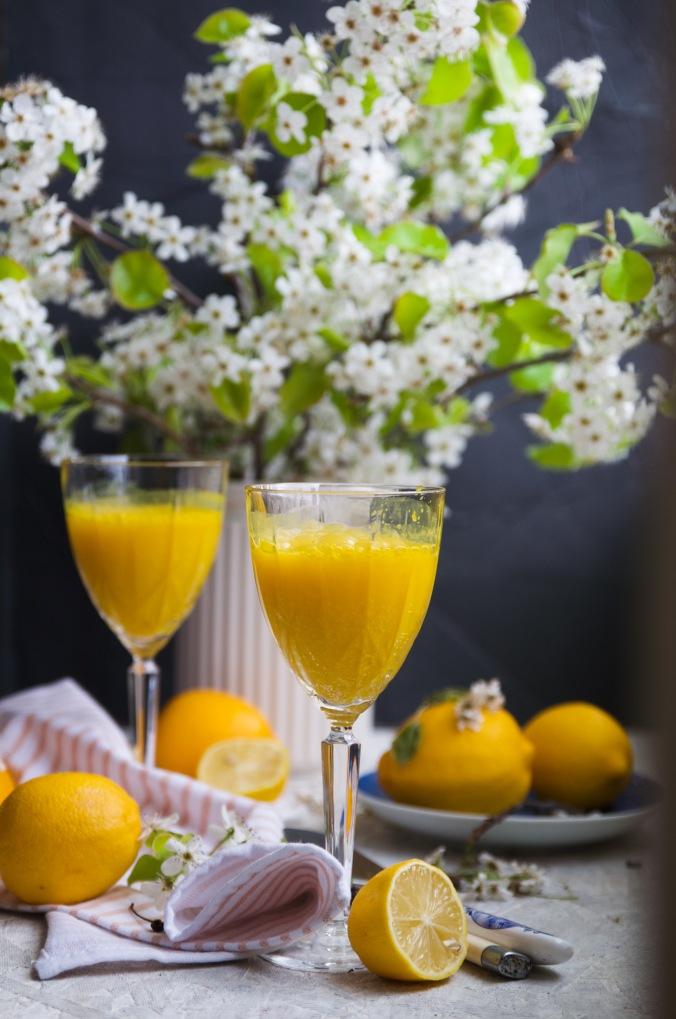 My lemon turmeric anti-inflammatory water recipe takes water to the next level because it includes several health-promoting ingredients, such as turmeric, ginger, lemon and green tea. Turmeric is known as nature's ibuprofen. It decreases chronic inflammation in the body. Ginger decreases inflammation and promotes good digestion while diminishing nausea and Lemon adds good flavor to the water while boosting vitamin c levels and improving digestion