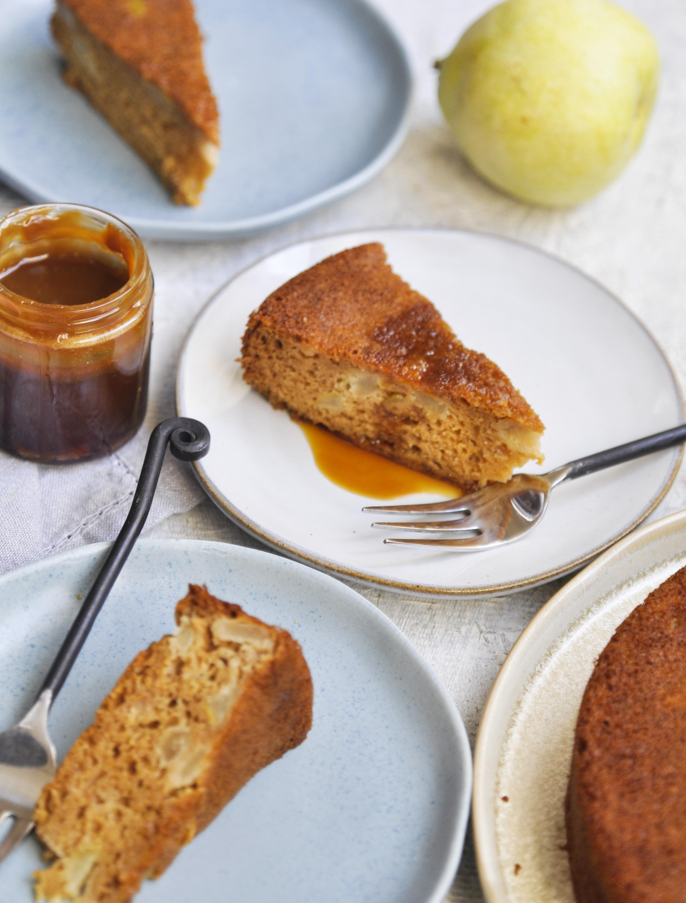 how to make pear cake, apple cake recipe, pear cake recipe, homemade caramel, caramel cake, pear caramel cake, fall recipes, fall baking